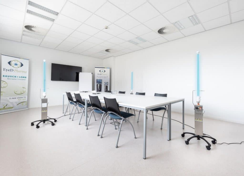 uvmastercare dans une salle de réunion